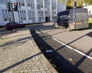 Bristol's New Fragment of Cycle Lane 01