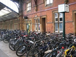 Bristol_Temple_Meads_P3_bikes.jpg Geof Sheppard licensed under the Creative Commons Attribution-Share Alike 3.0 Unported license. https://creativecommons.org/licenses/by-sa/3.0/deed.en
