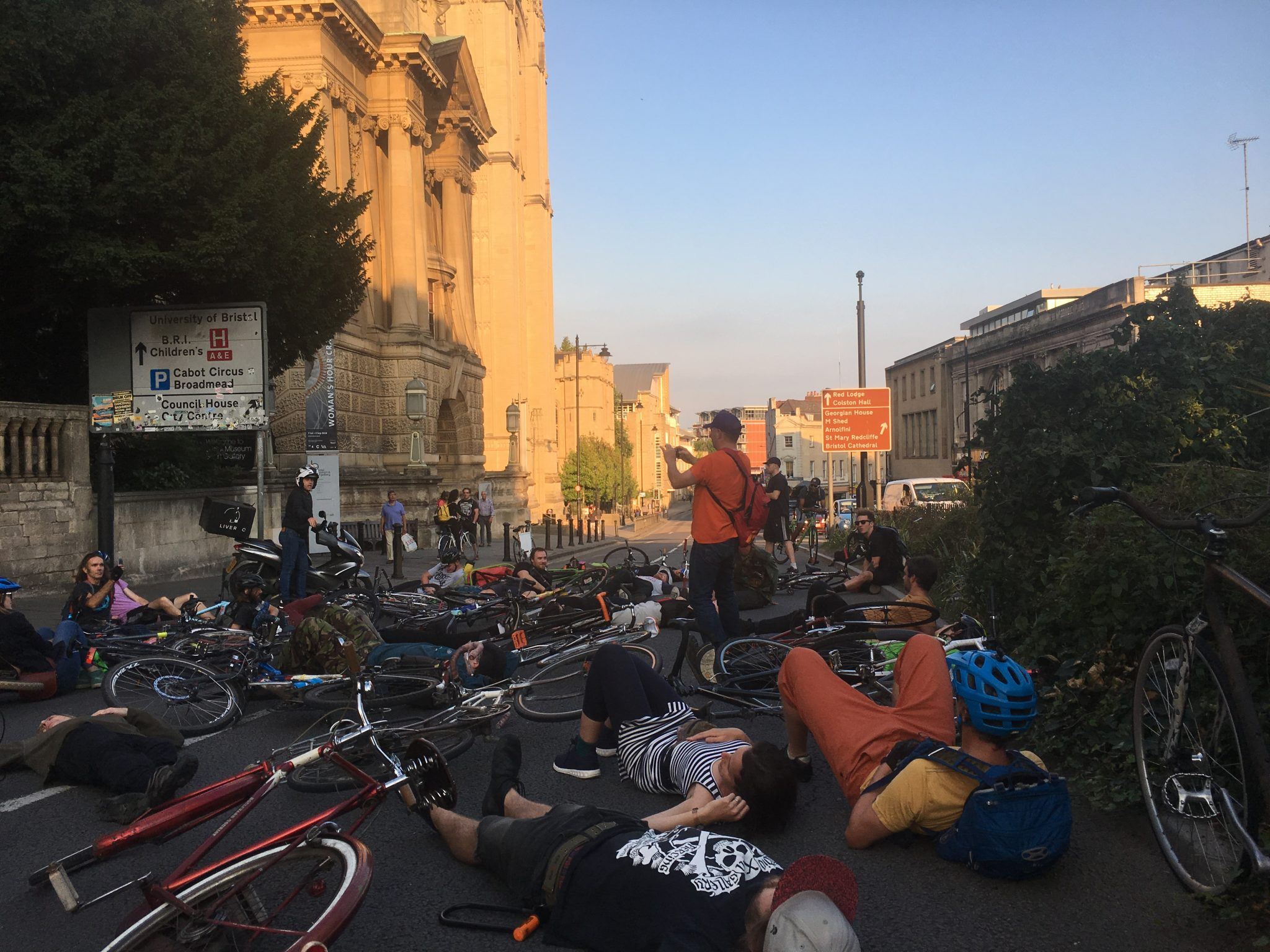700+ cyclists injured on Bristol's roads in 2017  ...  1 prosecution for dangerous driving